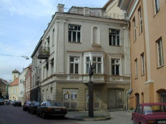 Šv. Jono g. 8, Vilniaus m.