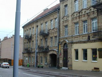 J. Basanavičiaus g. 6, Vilniaus m.