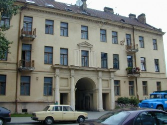 A. Mickevičiaus g. 7, Vilniaus m.